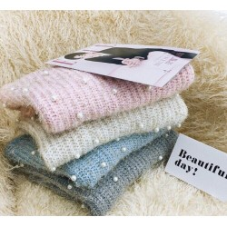 Áo len đính hạt châu