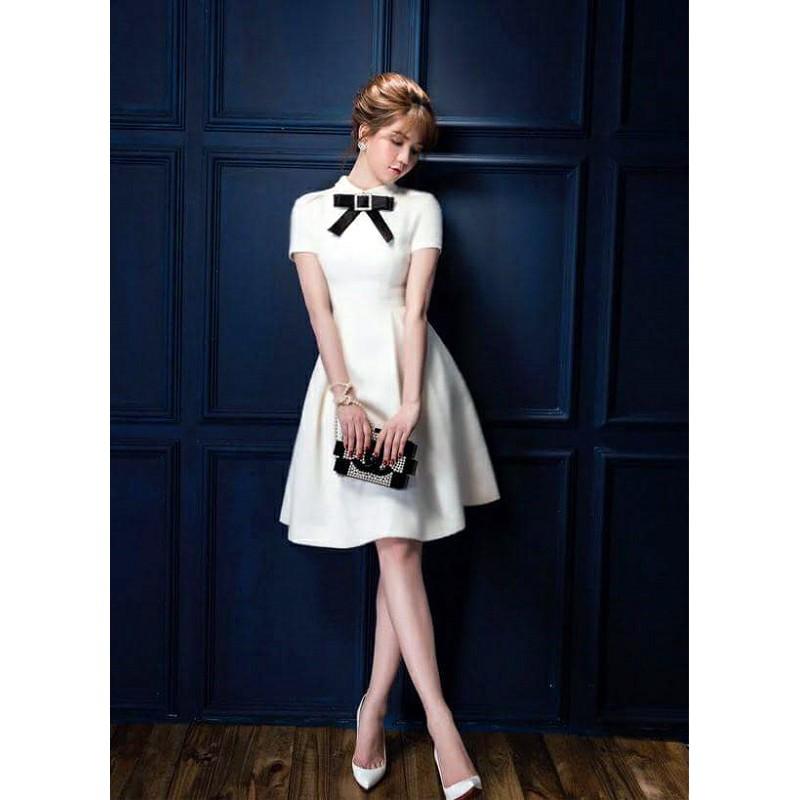 Đầm trắng xòe nơ đen 1287