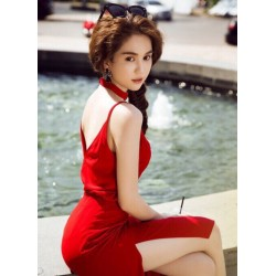 Sexy red dress Ngoc Trinh