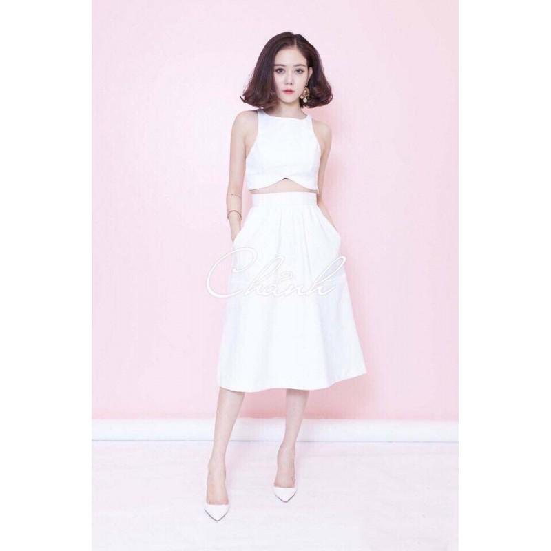 Skirt and white top set